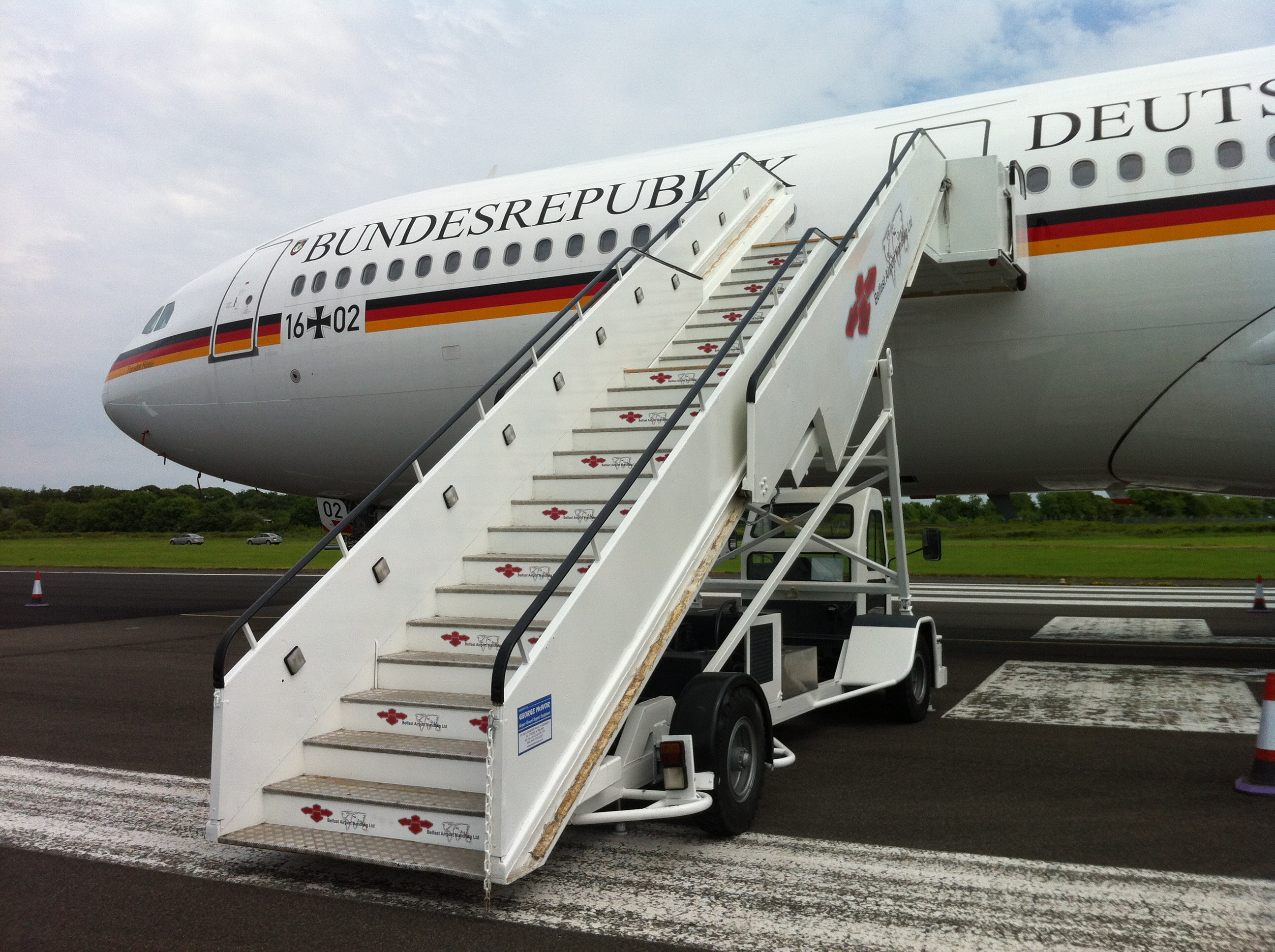 AMSS Driveable Wide Bodied Aircraft Steps